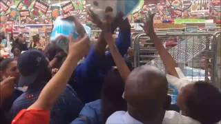 Download BLACK FRIDAY 2016 South Africa - Fight Over TOILET PAPER Video