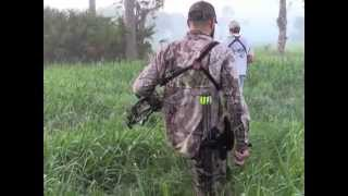 Download Bowhunting Wild Hogs in Okeechobee, Florida Video