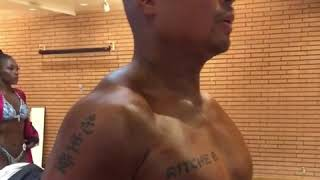 Download Average Rich pumping up backstage of my natural bodybuilding show Video