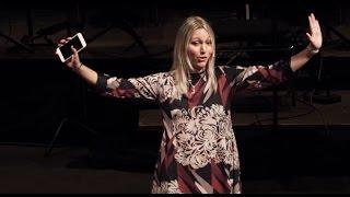 Download We are Screens | Emanuela Zaccone | TEDxBologna Video