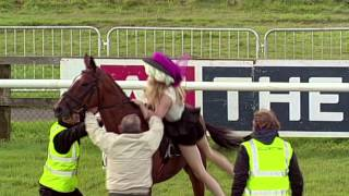 Download Girl steals horse on ladies day Video
