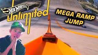 Download TANNER FOX 37MPH HOT WHEELS MEGA RAMP | Hot Wheels Unlimited | Hot Wheels Video