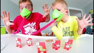 Download Father Son PLAY TIC TAC TONGUE! / Lick Those Bugs! Video