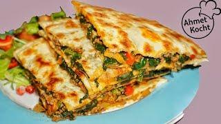 Download Taschen mit Hackfleisch und Spinat | Ahmet Kocht | türkisch kochen | Folge 269 Video