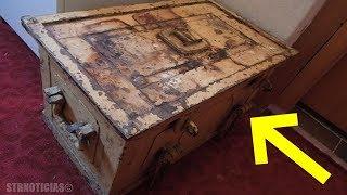 Download Mujer encuentra esta caja fuerte de su tía abuela, al abrirla hizo que su cuerpo estremeciera. Video