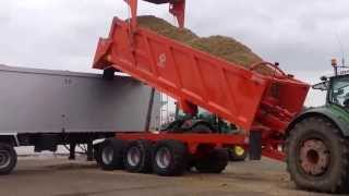 Download Larrington Chaser Trailer Unloading Maize in to Commercial Lorry Video