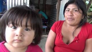Download Visitando a Joseline la niña vendedora de Jugo de Caña Video