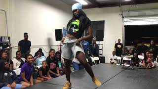Download These 2 Girl Dancers is SOLID! (BATTLE)| OfficialTSquadTV | Tommy The Clown Video