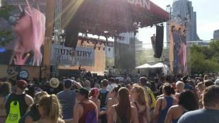 Download Hayley Kiyoko - Pretty Girl - Live Video