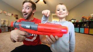 Download Father & Son GET NERF GLOW IN THE DARK GUN! Star Wars! Video