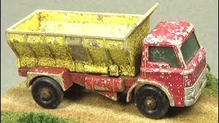 Download Restoring a Matchbox No 70 Grit Spreading Truck that was buried underground for 35 years!! Video