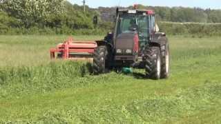 Download Valmet 8550 with Kverneland mower conditioner 2013 Video
