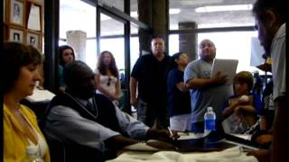Download Hall of Famer Tony Gwynn busts the balls of a rude autograph seeker! Video