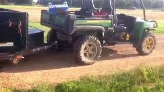 Download JD GATOR 855d pulls heavy trailer atleast 3000 lb Video