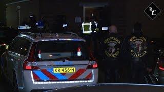 Download Arrestatieteam en Landelijke Eenheid vallen clubhuis Satudarah Tilburg binnen Video