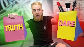 Download Makeup Truth Or Dare Challenge! Video