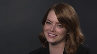 Download What Songs Do Emma Stone and Natalie Portman Sing at Karaoke? | Vanity Fair Video