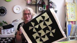 Download A two hour quick and easy dimensional pinwheel table top quilt Video