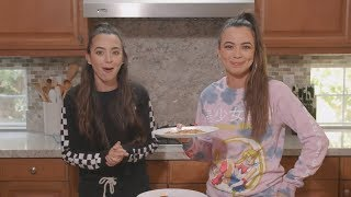Download Making Pizza LIVE - Merrell Twins Video