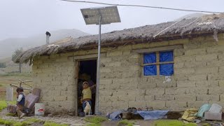 Download Energía solar ilumina zonas rurales de Bolivia Video