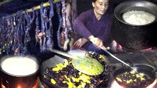 Download Himalayan Dinner With Lamb's Meat || Cowherd lifestyle of Mountain region from Pasture Land Video
