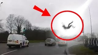 Download 5 Scary Things Caught On Camera By Dash Cam Video