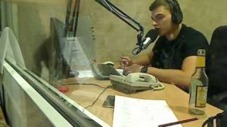 Download ZIP FM Radistai Skambutis Kęstui dėl skolos (piktas) Video