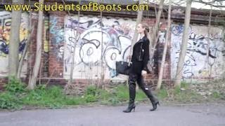 Download Aaliyah in extra long black Boots. Video