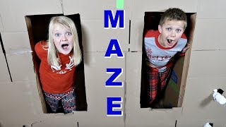 Download ULTIMATE BOX FORT MAZE! Video