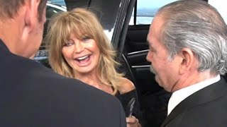Download Bombshell Goldie Hawn Shows She Still Has It At LAX Video