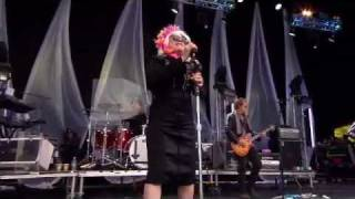 Download Blondie Live in London (LoveBOX 2011) HD- Full Screen PART 1 Video