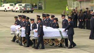 Download Après le crash en Colombie, l'heure du rapatriement des corps Video