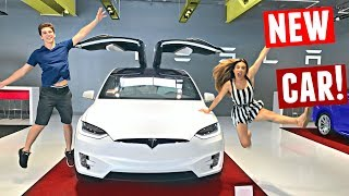 Download BUYING MY DREAM CAR! Picking Up My Tesla Model X At 19 Years Old (2017) Video