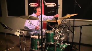 Download Greg Hahn Plays ″Guess That Tune″ with Drums Video