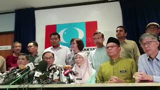 Download Anwar Ibrahim's press conference in Petaling Jaya Video