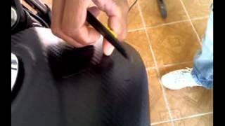 Download envelopando uma moto com fibra de carbono Video