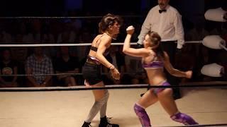 Download PAULINE LAOUT vs ALEXI MARIA Video