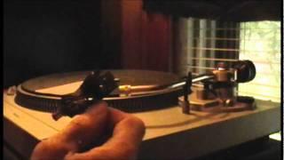 Download Technics SL- D2 Turntable Tonearm Set Up Video