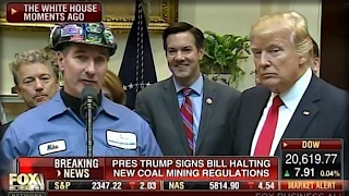 Download TRUMP JUST BROUGHT A COAL MINER ON TV & SUDDENLY REPORTERS EVERYWHERE FREAKED OUT! Video