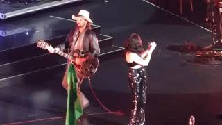 Download Noah, Miley and Billy Ray Cyrus ″Achy Breaky Heart″ Madison Square Garden 2017 Video