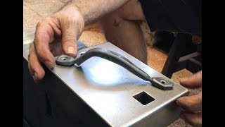 Download Forging A Simple Door Pull Video