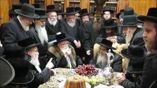 Download Skver Rebbe Visiting The Satmar Rebbe - Kislev 5777 Video
