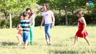 Download Juegos infantiles: la gallinita ciega Video