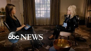 Download We had Jennifer Aniston and Dolly Parton interview each other Video