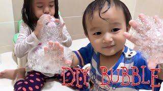 Download DIY Mainan Anak Murah Meriah dari Kaos Kaki dan Botol   Lets Play Bubble and be Creative Kids Video