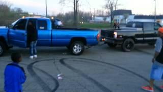 Download Tug o war Chevy vs Dodge Video