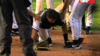 Download Violento choque entre jugadores de beisbol en pleno partido en vivo Video