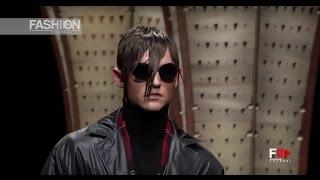 Download VERSACE MEN'S Fall Winter 2017 2018 Menswear Milan by Fashion Channel Video