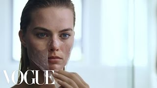Download Margot Robbie's Beauty Routine Is Psychotically Perfect | Vogue Video