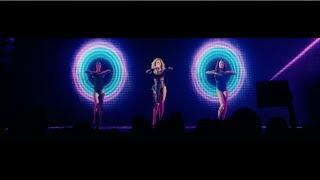 Download ″Schoolin' Life″ from 'Live in Atlantic City' Video